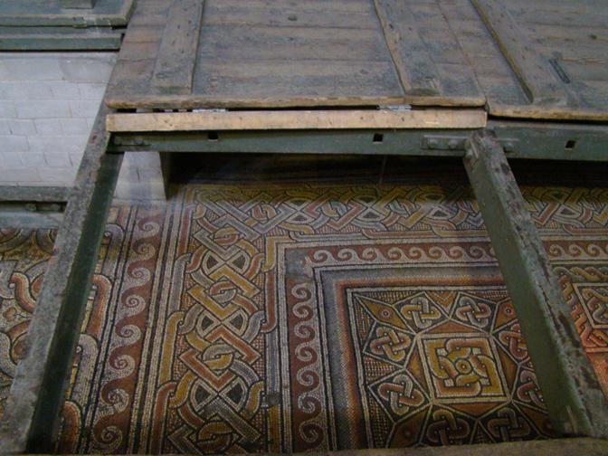 các nhà khảo cổ đã tìm được nền nhà thờ cũ từ năm 327